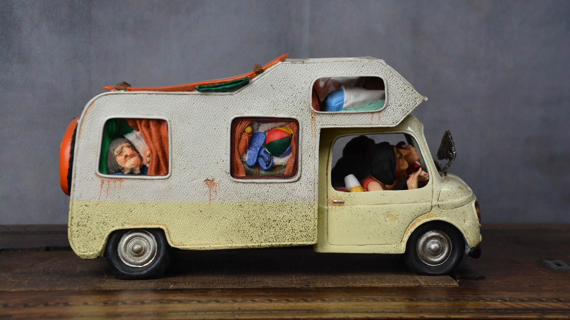 boutique figurine piece artisanale vehicule camping car parodie