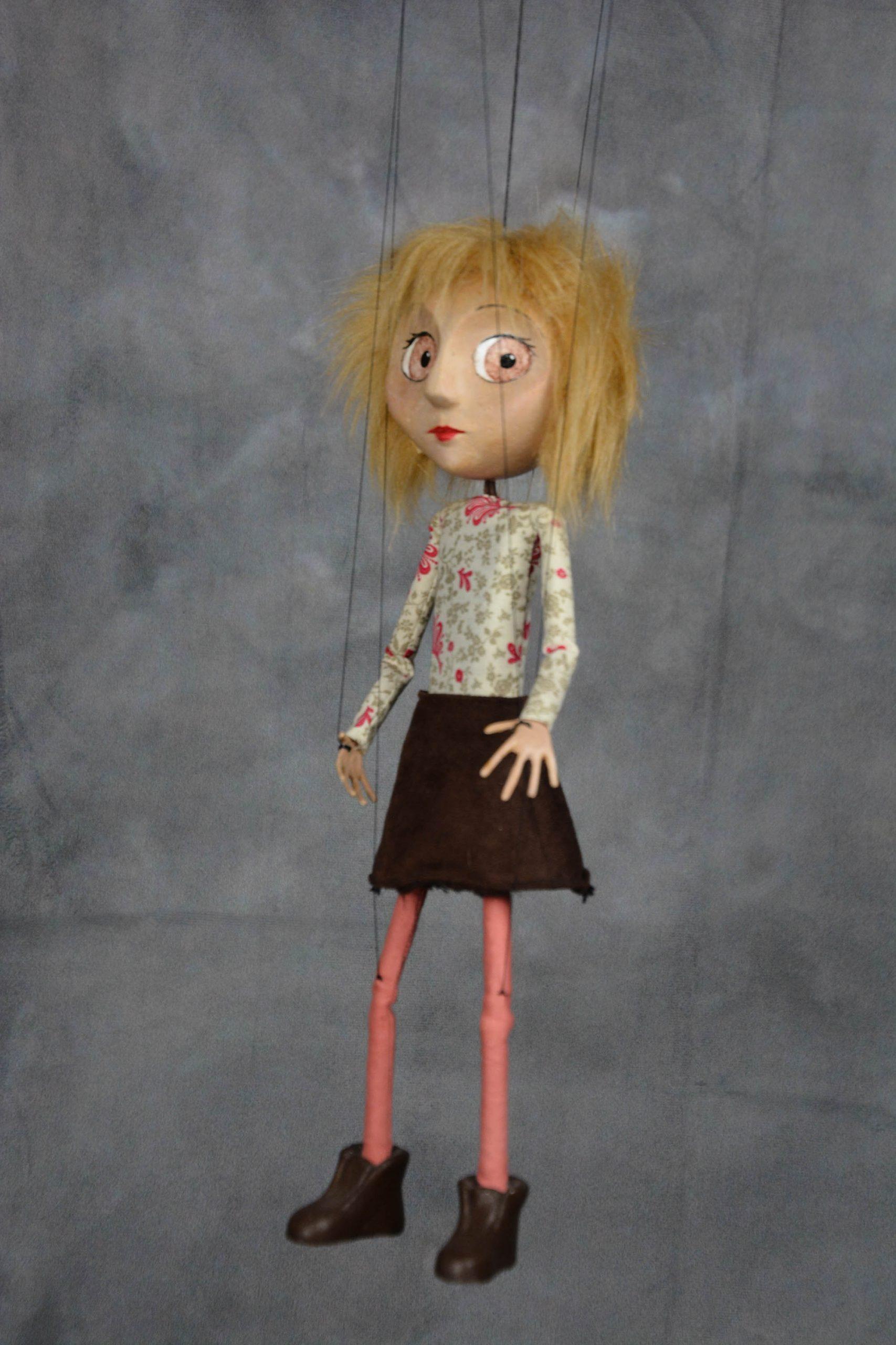 marionnette artisanale fille blonde