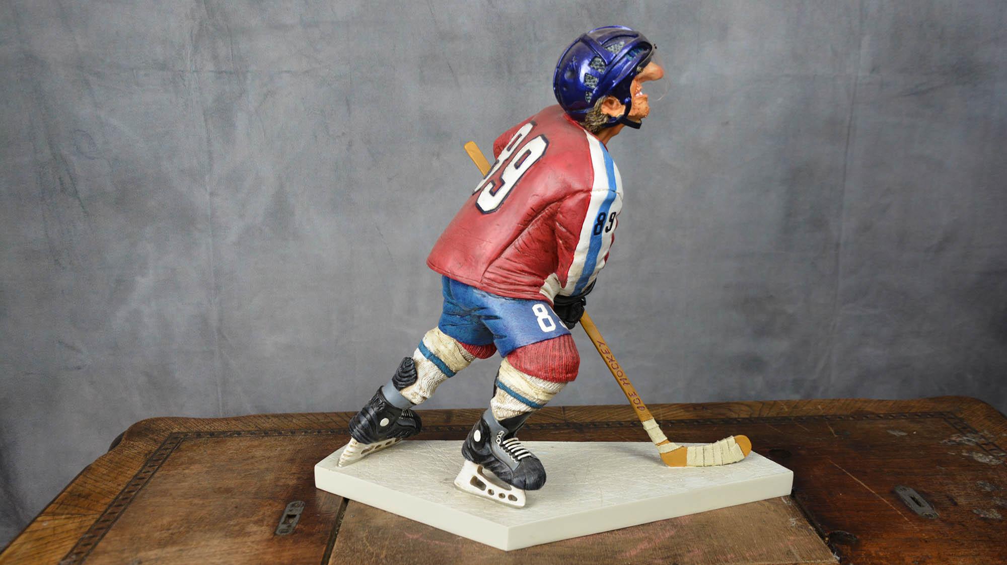 boutique figurine piece artisanale personnage hockeyeur parodie