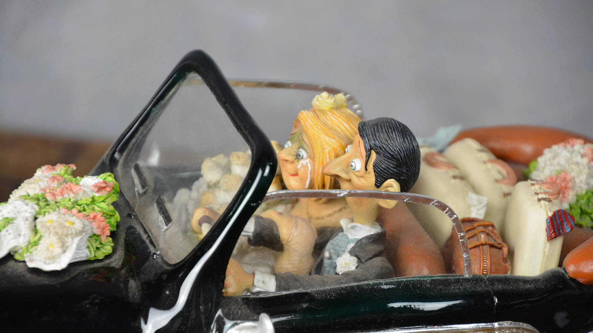 boutique figurine piece artisanale vehicule maries parodie