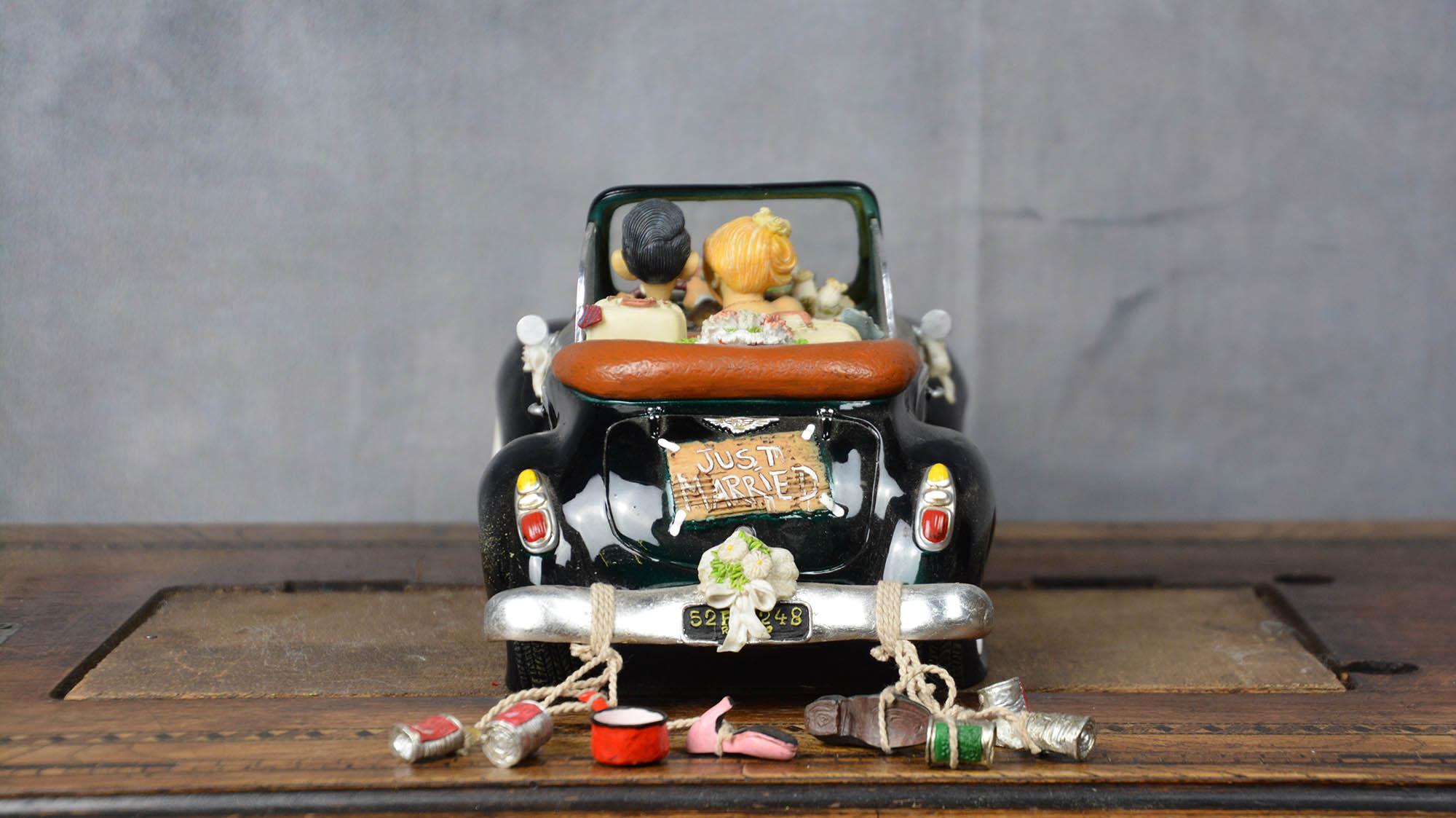 boutique figurine piece artisanale vehicule maries parodie
