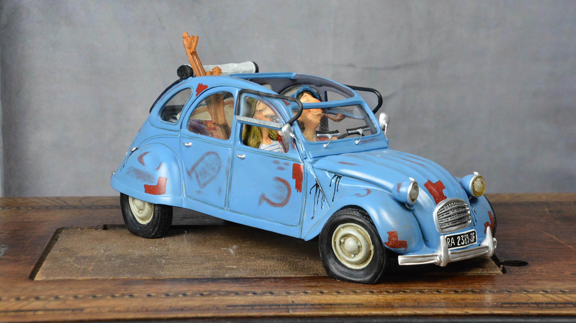 boutique figurine piece artisanale vehicule deux chevaux parodie