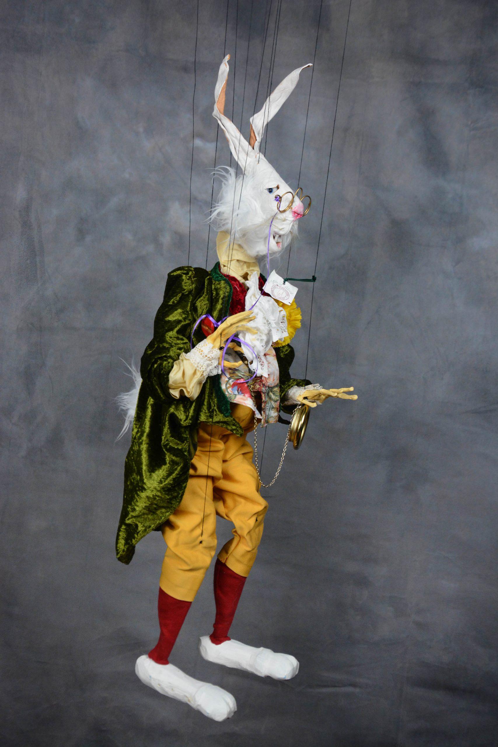 marionnette piece unique lapin alice au pays des merveille