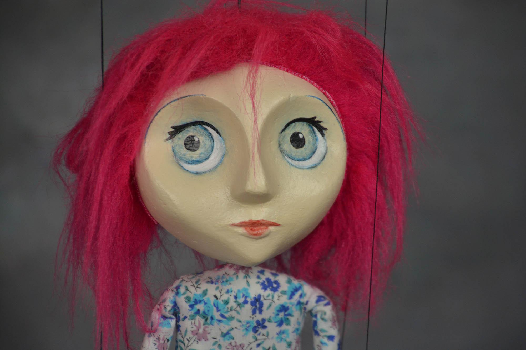 marionnette artisanale fille rose