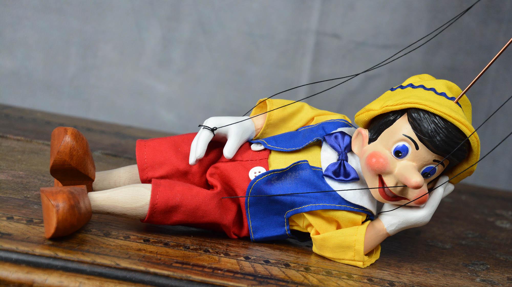 marionnette artisanale pinocchio
